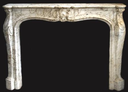 cheminée ancienne cheminée ancienne d'époque Louis XV marbre blanc veiné L 146 x H 107 cm