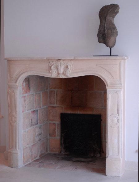 cheminée ancienne pierre