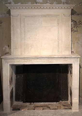 cheminée ancienne d'époque L XIV en pierre L 162 x H 240 cm