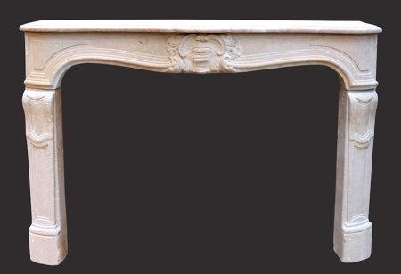 cheminée ancienne d'époque L XV pierre de Paris L 145 x h 106 cm