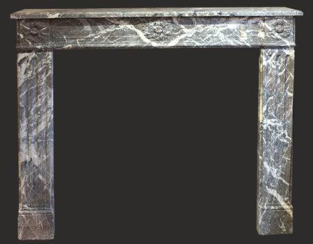 cheminée ancienne d'époque L XVI marbre Royal L 132 x H 112 cm